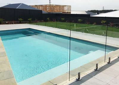 wollongong frameless glass pool fence