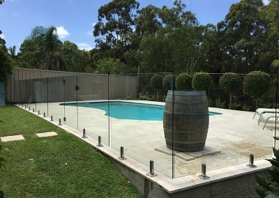 frameless glass pool fencing in wollongong